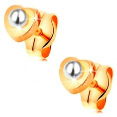 Zlaté 14K náušnice - lesklé srdíčko, kulatá bílá perlička uprostřed