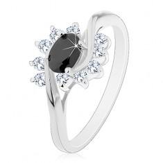 Prsten s lesklými rameny, černý zirkonový ovál a čiré obloučky