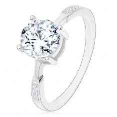 Stříbrný prsten 925, kulatý zirkon čiré barvy, zirkonky na ramenech