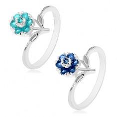 Prsten ve stříbrném odstínu s barevným zirkonovým kvítkem, stonek s lístky