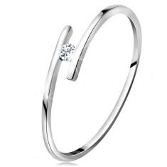 Prsten z bílého 14K zlata - tenká lesklá ramena, blýskavý čirý briliant