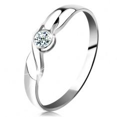 Prsten v bílém 14K zlatě - kulatý briliant čiré barvy, vlnka, lesklá ramena