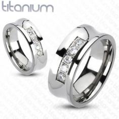 Titanový prsten ve stříbrném odstínu, vyhloubený střed s linií čirých zirkonů, 8 mm