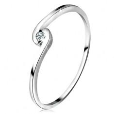 Prsten z bílého zlata 14K - kulatý čirý diamant mezi zahnutými rameny