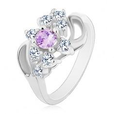 Prsten se zahnutými rameny se zářezem, světle fialový střed, čiré zirkonky