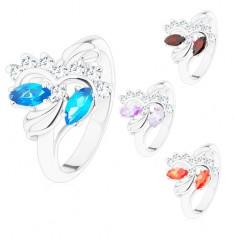 Prsten s lesklými rameny stříbrné barvy, broušená zrnka, čiré zirkonky