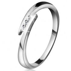 Prsten z bílého 14K zlata - tenká lesklá ramena, tři blýskavé čiré brilianty