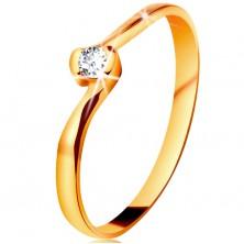 Prsten ve žlutém 14K zlatě - čirý diamant mezi zahnutými konci ramen