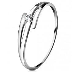 Briliantový prsten z bílého 14K zlata - rozdělená zvlněná ramena, čirý diamant