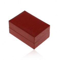 Dárková krabička na prsten nebo náušnice, tmavě červená barva, rýhy