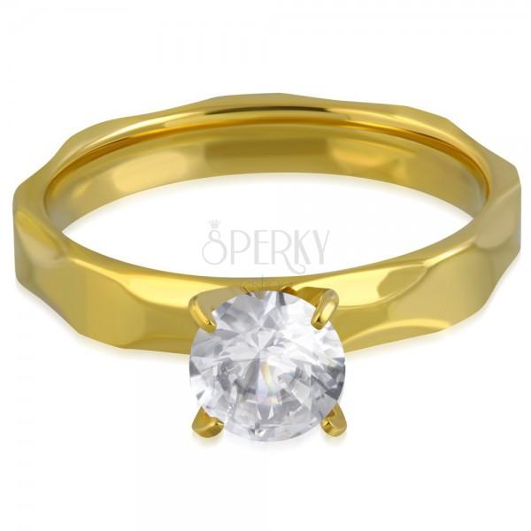 b7dfafc31 ... Zásnubní prsten z chirurgické oceli zlaté barvy, broušená ramena, čirý  zirkon