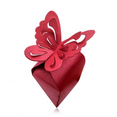 Dárková krabička barvy bordó, velký motýl s výřezy na křídlech