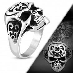 Mohutný prsten z oceli 316L, lebka s ornamenty na temeni, černá patina