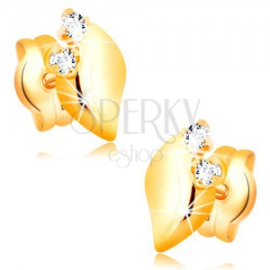 Diamantové náušnice ze žlutého 14K zlata - dva čiré brilianty, lesklý lísteček