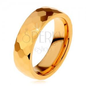 Wolframový prsten zlaté barvy, vybroušené lesklé šestihrany, 8 mm