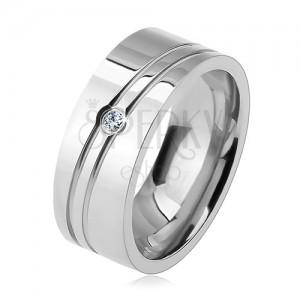 Prsten z chirurgické oceli, dva šikmé zářezy, čirý zirkon, lesklý povrch