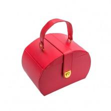 Kufříková červená šperkovnice, kovové detaily zlaté barvy, umělá kůže
