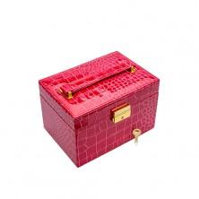 Růžová kufříková šperkovnice z imitace krokodýlí kůže, kovové detaily zlaté barvy