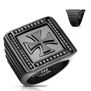 Mohutný prsten černé barvy, ocel 316L, zirkonky, maltézský kříž