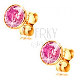Zlaté náušnice 585 - kulatý světle růžový zirkon v objímce, 5 mm