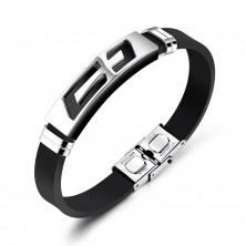 Ocelovo-pryžový náramek, černý řemínek, známka s křížem stříbrné barvy