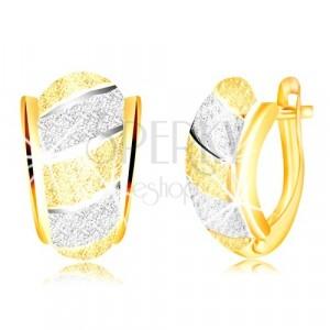 Blýskavé náušnice ve zlatě 585 - asymetrický oblouk, pásy, pískovaný povrch