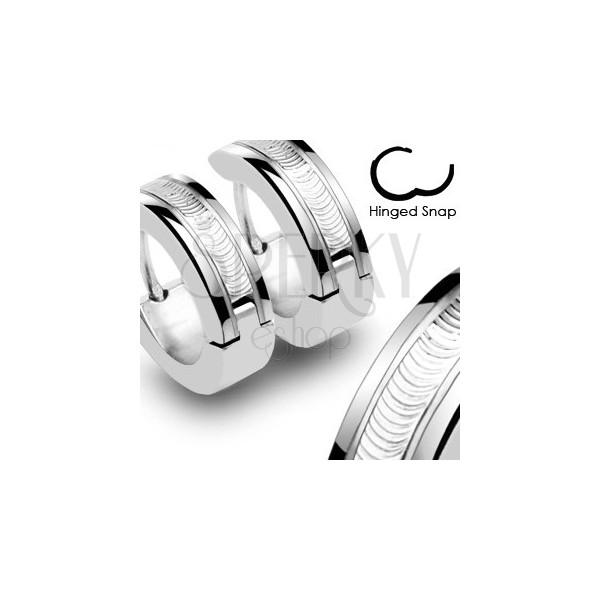 Náušnice z chirurgické oceli - stříbrné barvy s ozdobným pásem