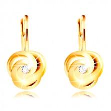 Náušnice ve žlutém 14K zlatě - tři spirálovitě zatočené okvětní lístky, kulatý zirkon