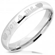 "Lesklý prsten z oceli 316L - nápis ""you & me"", dvojice symetrických srdíček, 3,5 mm"