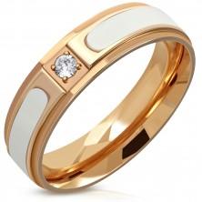 Ocelový prsten měděné barvy - vyvýšený bílý pás, čirý kulatý zirkon, 6 mm
