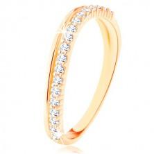 Prsten ze žlutého 9K zlata - hladká a čirá zirkonová zvlněná linie