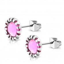 Puzetové náušnice z oceli - vyřezávaný květ, kamínek světle růžové barvy