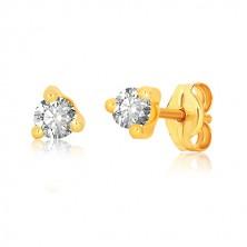 Náušnice ve žlutém 9K zlatě - čirý kulatý zirkon v trojúhelníkovém kotlíku