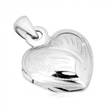 Stříbrný 925 přívěsek - medailon, souměrné srdíčko s ozdobnými zářezy