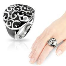 Ocelový prsten s onyxovým odlitkem