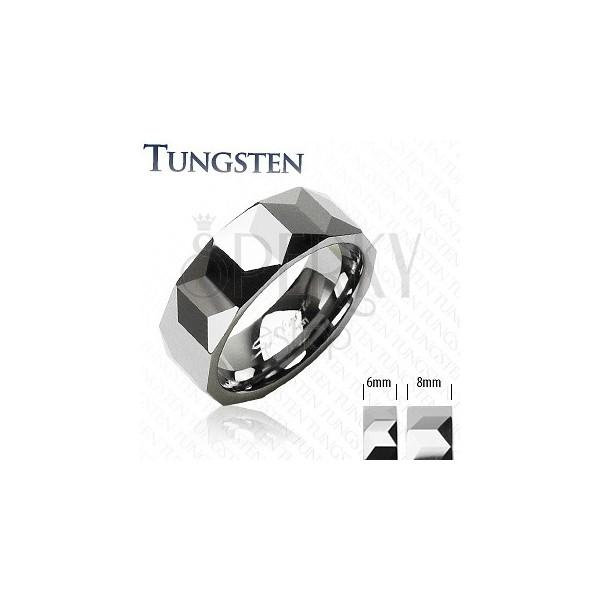 Wolframový prsten - vzor hranolů