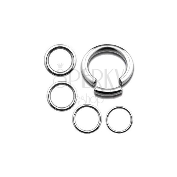 Piercing z nerezavějící oceli - hladký lesklý kroužek, stříbrná barva