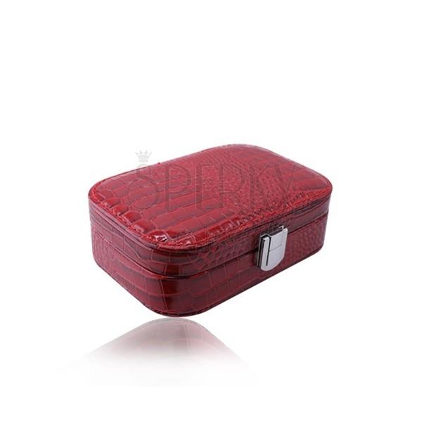 Červená šperkovnice z imitace krokodýlí kůže - obdélníkový tvar, přezka