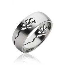 Prsten z chirurgické oceli - vyrytá ještěrka