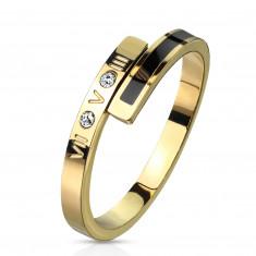 Ocelový prsten ve zlaté barvě - černý proužek, dva čiré zirkony, římské číslice, 2 mm