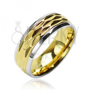 Ocelový prsten - zvlněný motiv zlaté barvy