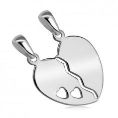 Stříbrný 925 dvojpřívěsek - rozpůlené srdce s výřezem ve tvaru dvou malých srdíček
