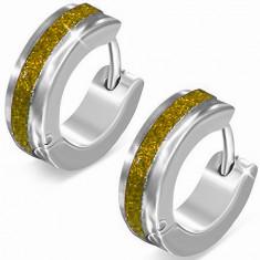 Ocelové náušnice stříbrné barvy, třpytivý zlatý pás