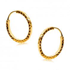 Náušnice ve žlutém 375 zlatě - kruhy ozdobené diamantovým řezem, hranatá ramena, 14 mm