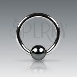 Piercing kroužek s tmavou kuličkou