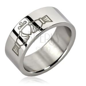 Ocelový prsten - jedno srdce v rukách
