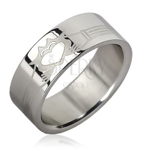 Prsten z chirurgické oceli - pásky, planoucí srdce v rukou