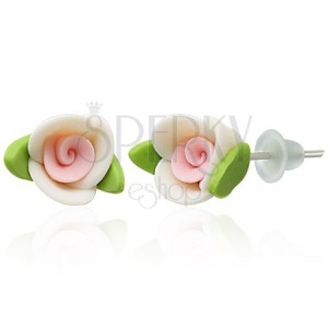 Náušnice z hmoty fimo - bílá růžička s lístky