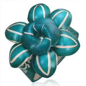 Kožený náramek - tmavozelený 3D květ