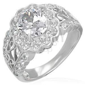 Zásnubní prsten - filigránový, veliký oválny zirkon, malé zirkonky